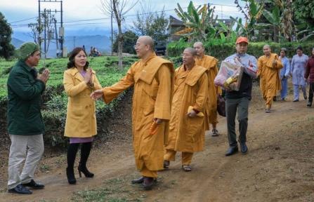 Người Mang Tết Về Với Thị Trấn Nghèo Tân Uyên - Lai Châu